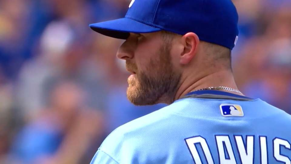 MLB Now: Davis traded to Cubs