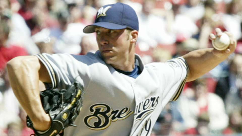 Brewers bring back Capuano