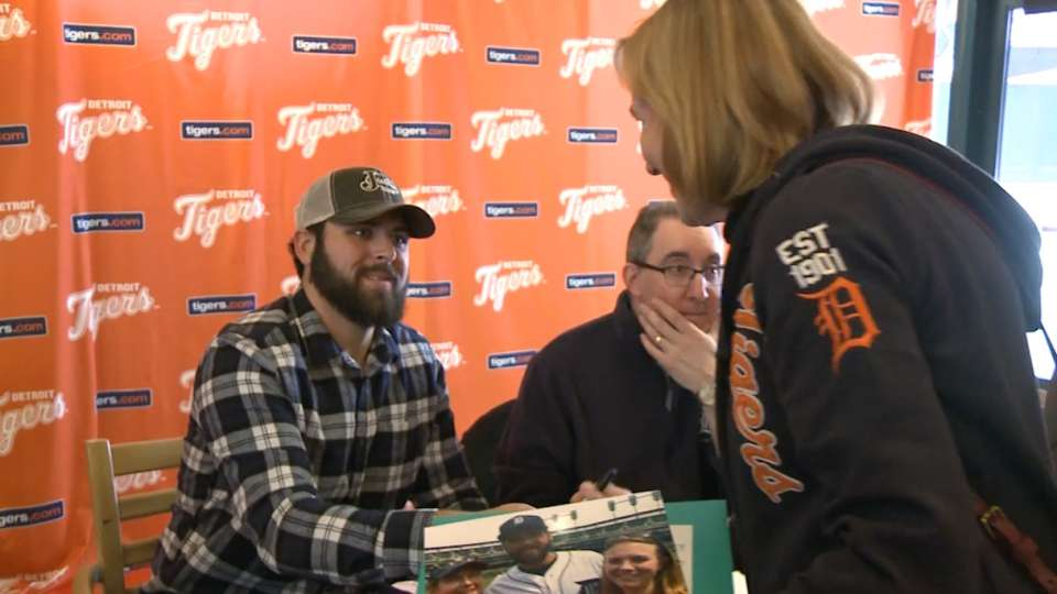 Fulmer Autograph Signing
