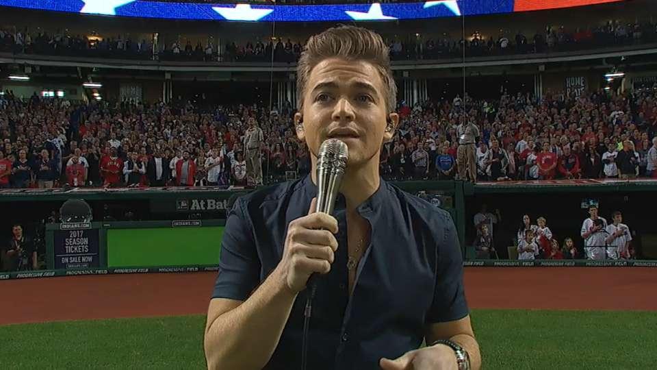 Hunter Hayes sings anthem