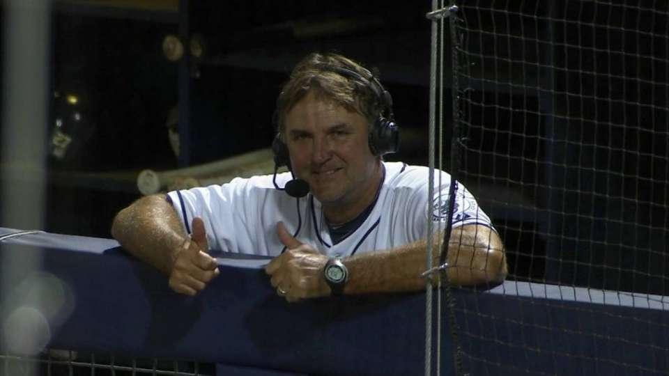 Hoffman discusses ST with Padres