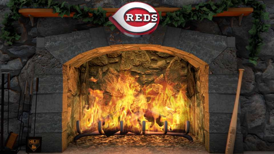 Deck the Calls: Reds