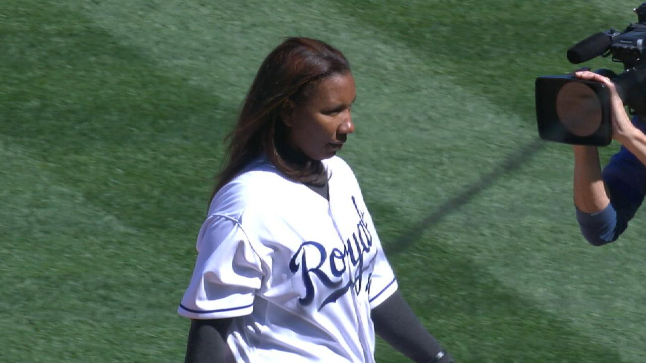Ventura's mother's first pitch