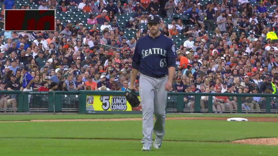 Paxton gets out of the 2nd
