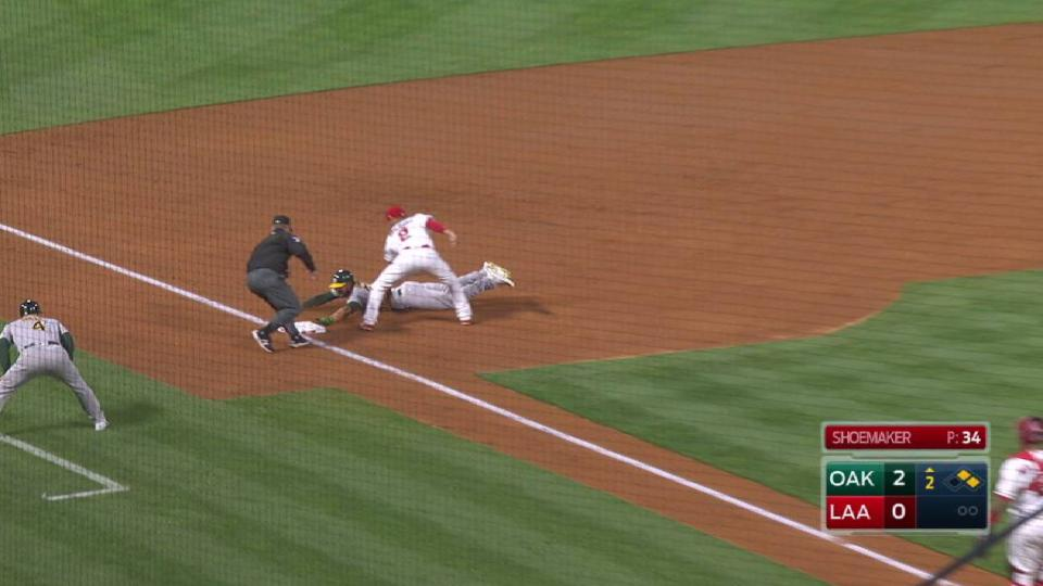 Simmons applies a quick tag