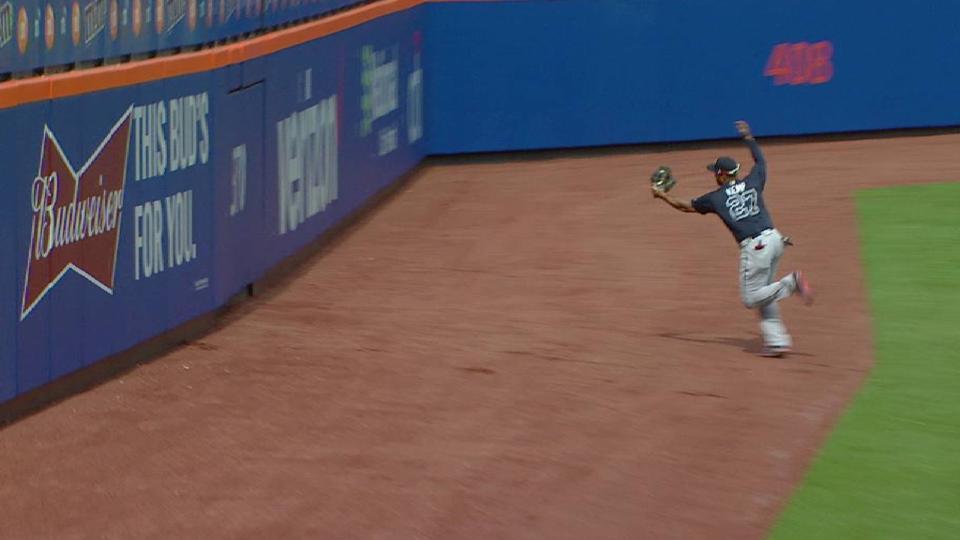 Kemp's running catch