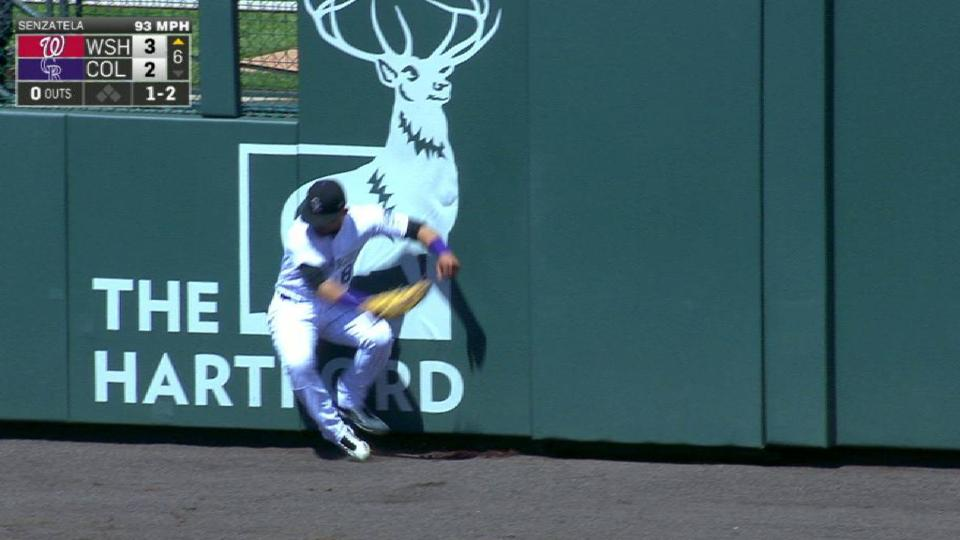 Parra's leaping grab