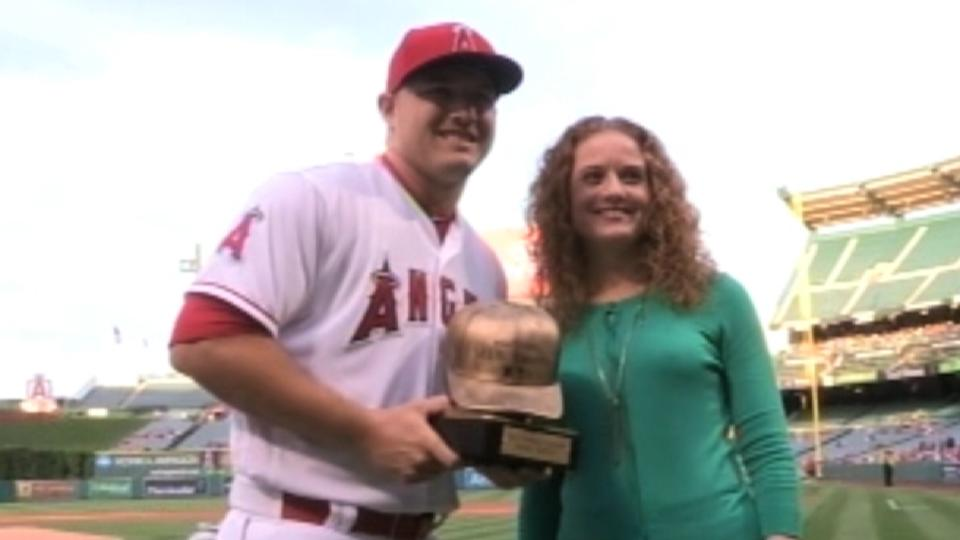 Trout presented Esurance Award