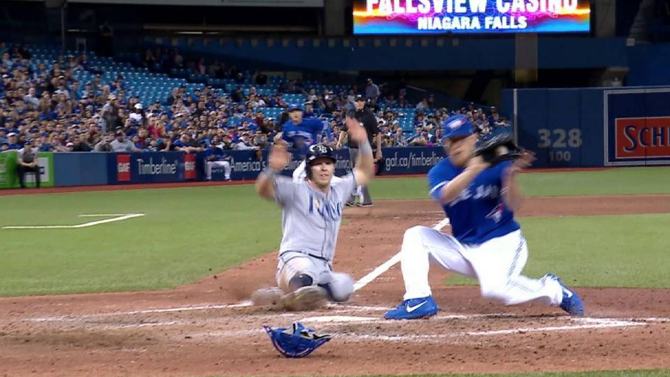 Dickerson scores on wild pitch