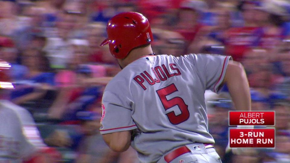 Pujols' go-ahead three-run homer