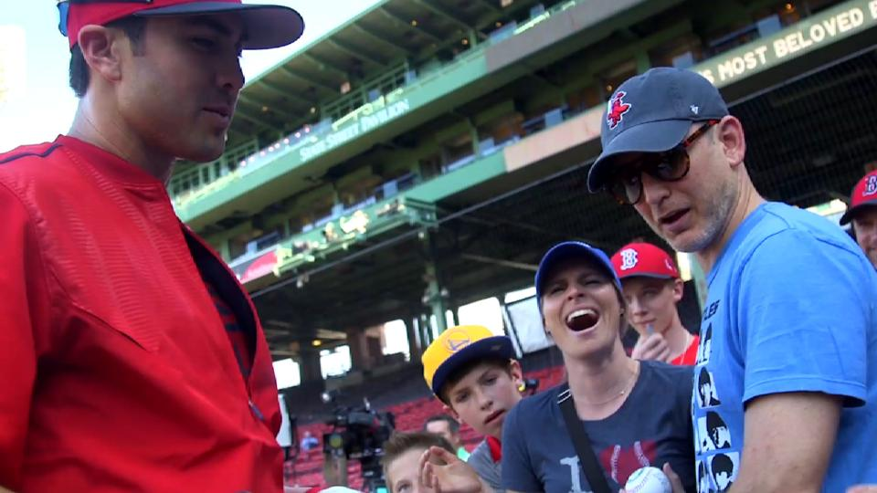 d'Arnaud greets Red Sox nation