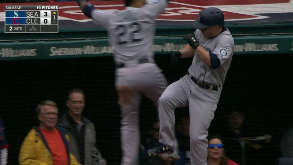 Seager's back-to-back jack