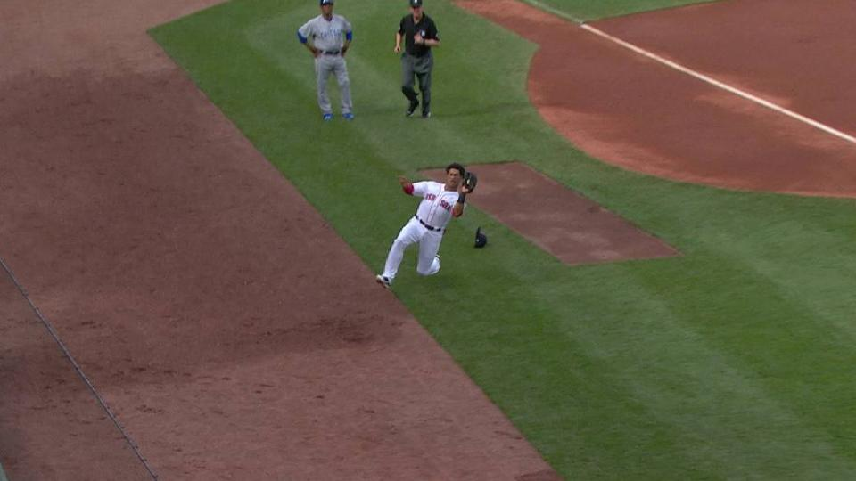 Hernandez's nice sliding catch