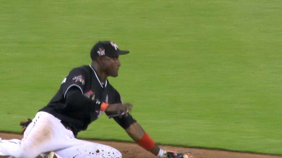 Hechavarria snags hot grounder