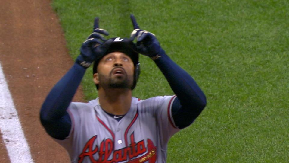 Kemp gets three-homer hat trick