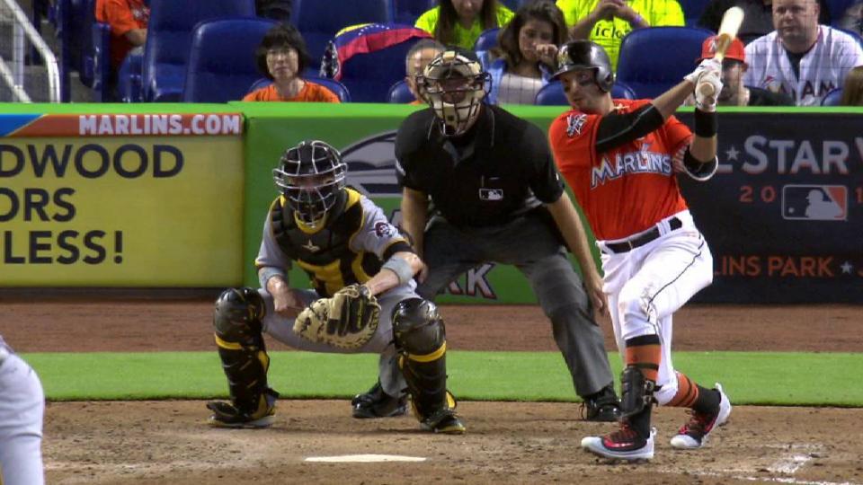 Prado's RBI single in 7th inning