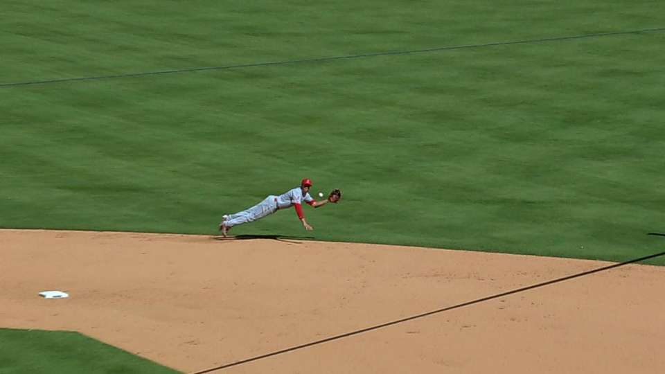 Simmons' diving catch