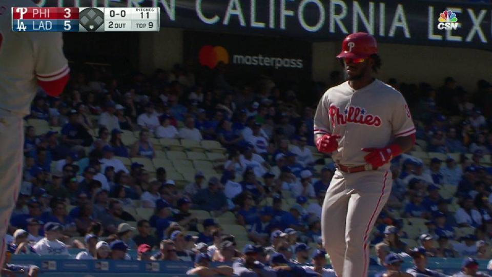 Herrera's two-run home run