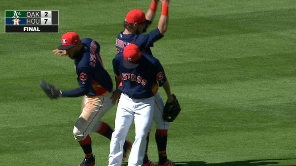 Giles escapes bases-loaded jam