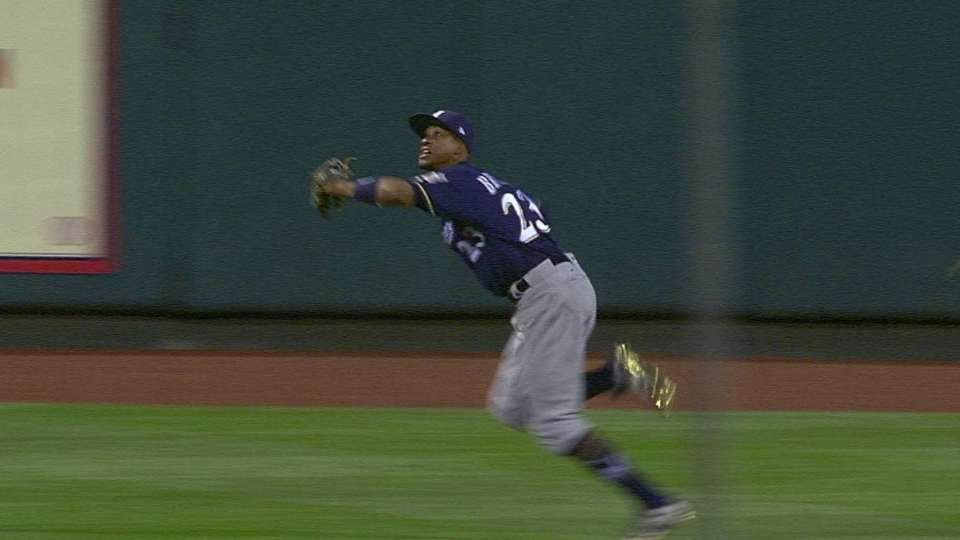 Broxton dives for a great catch