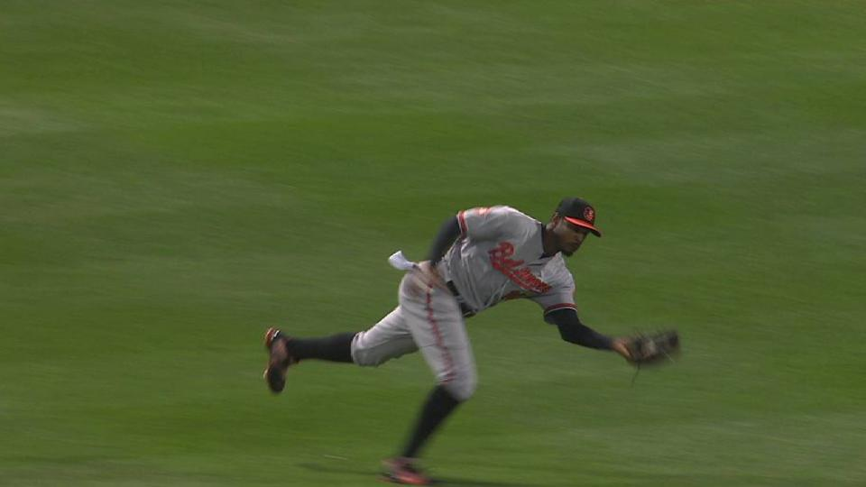 Jones' tumbling catch