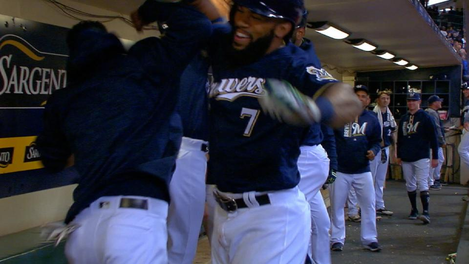 Thames hammers homers