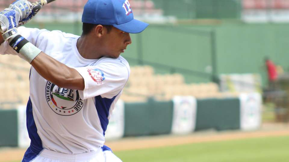 Top Int'l Prospects: Pereira, OF