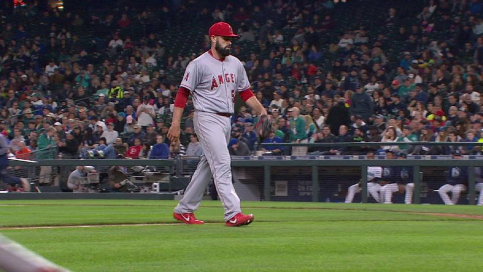 Shoemaker works out of trouble