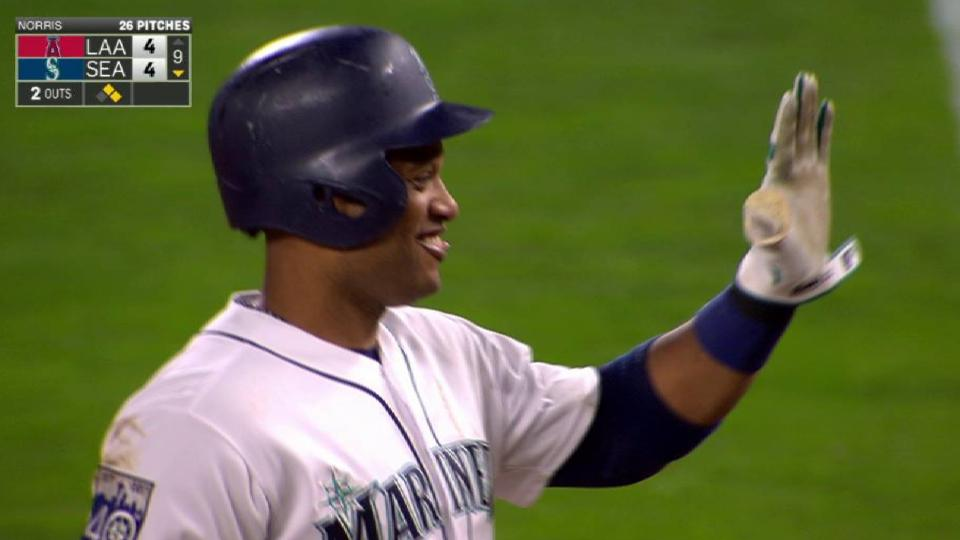 Cano's game-tying single