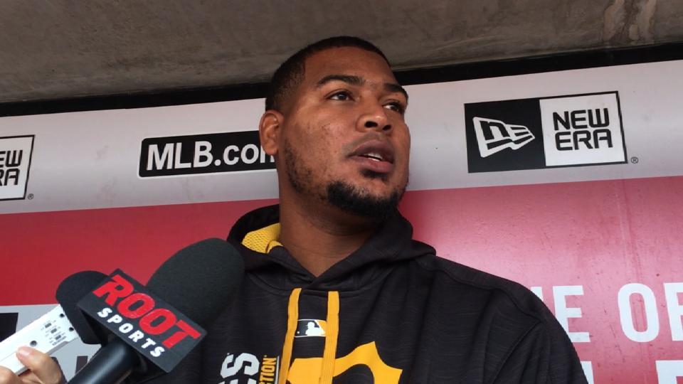 Nova named top NL pitcher