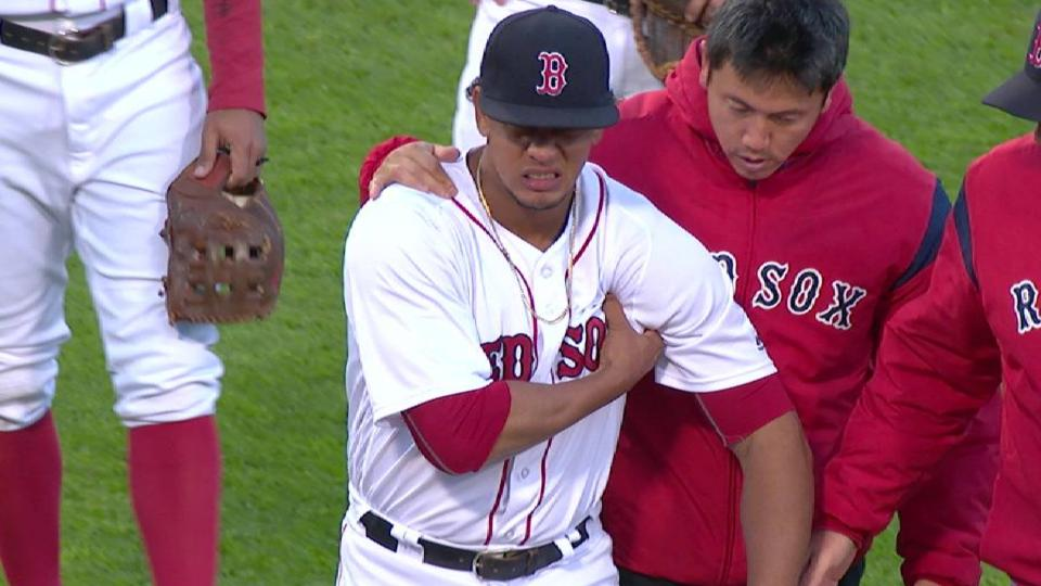 Hernandez leaves the game