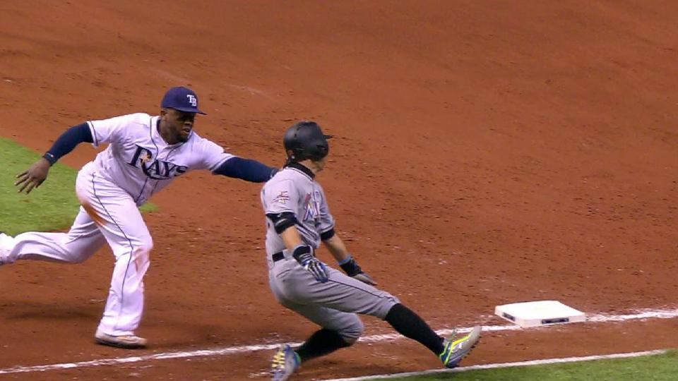 Weeks Jr. tags out Ichiro