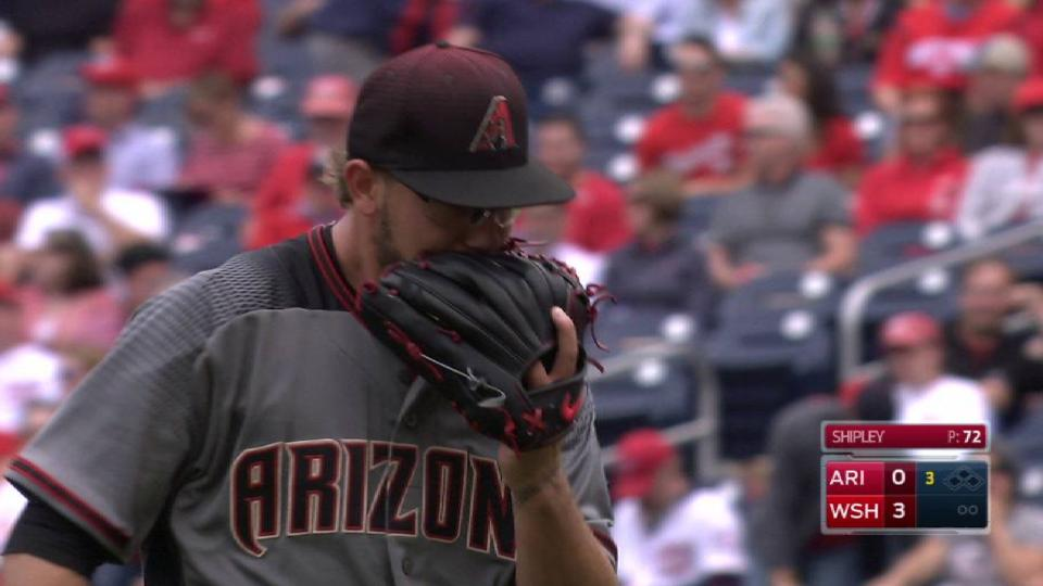 D-backs get out of jam with DP