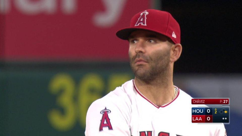Espinosa snatches line drive