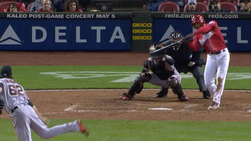 Peraza plates four in Reds' win