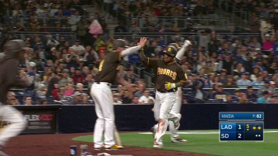 Margot's sac fly to center