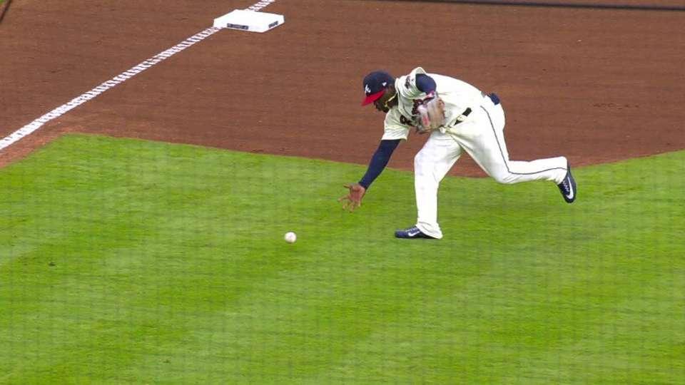 Garcia's great barehanded play