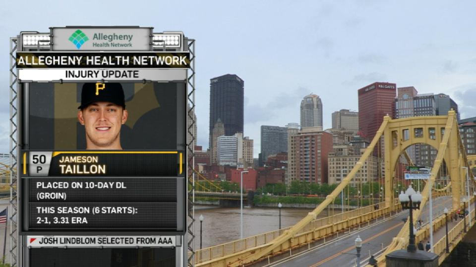 Pirates booth on Taillon