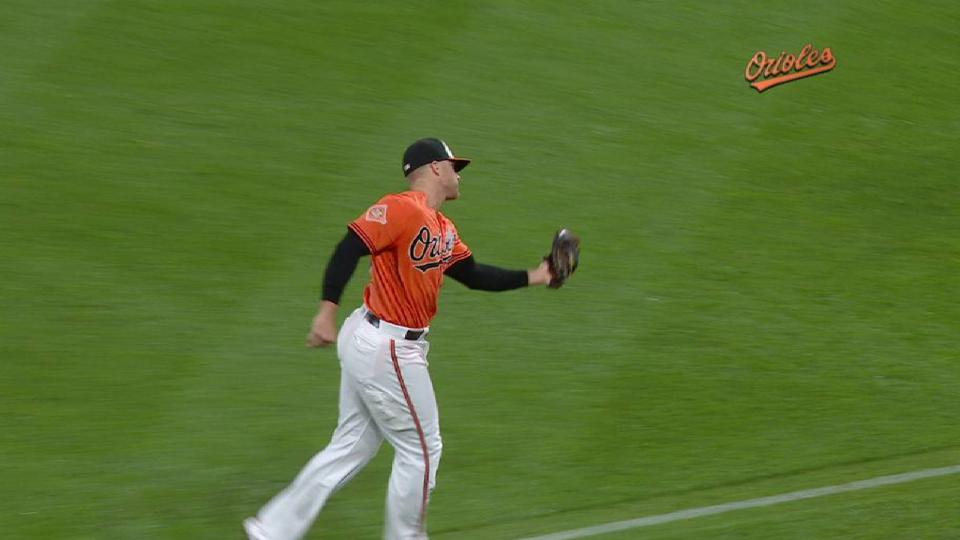 Davis' over-the-shoulder catch