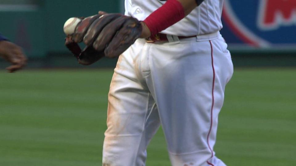 Escobar gets ball stuck in glove