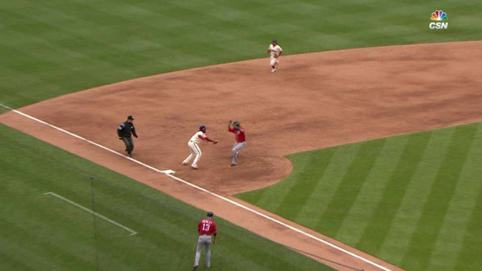 Hellickson picks off Werth
