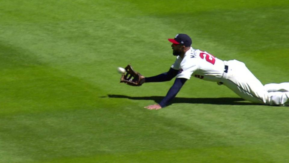 Markakis' incredible catch