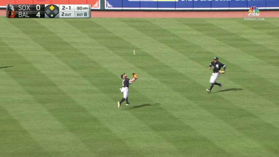 Sanchez's smooth basket catch