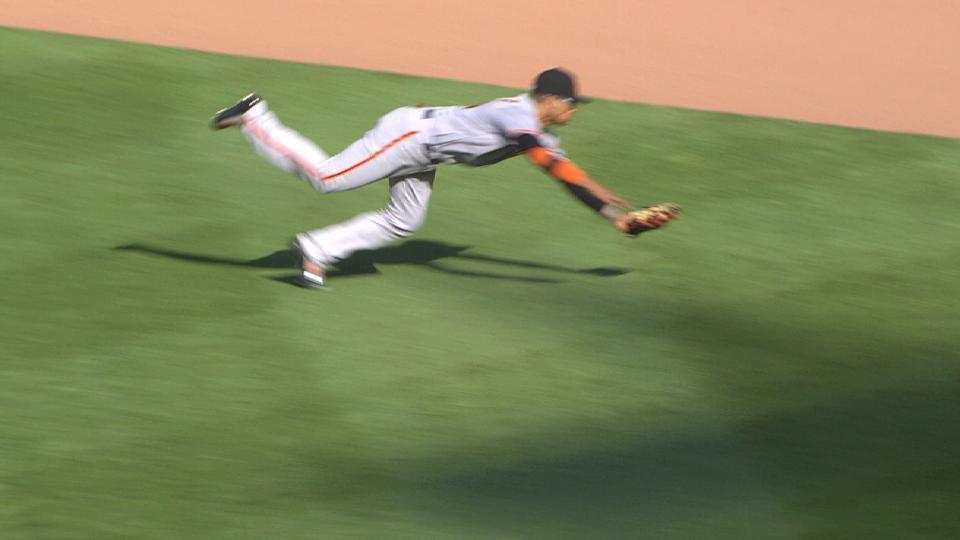 Hernandez's sensational catch