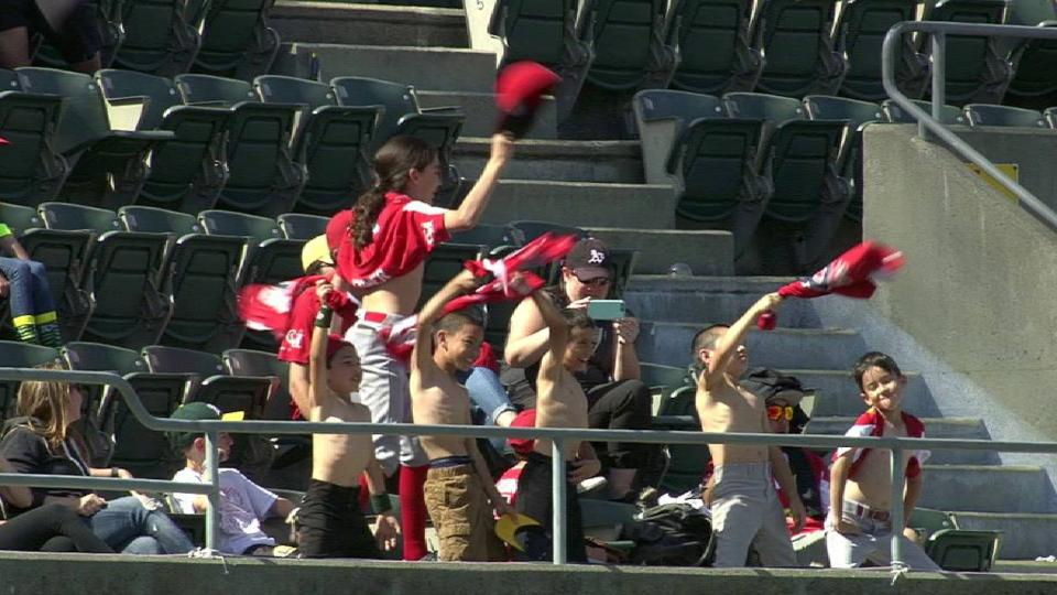 Young fans enjoy warm weather