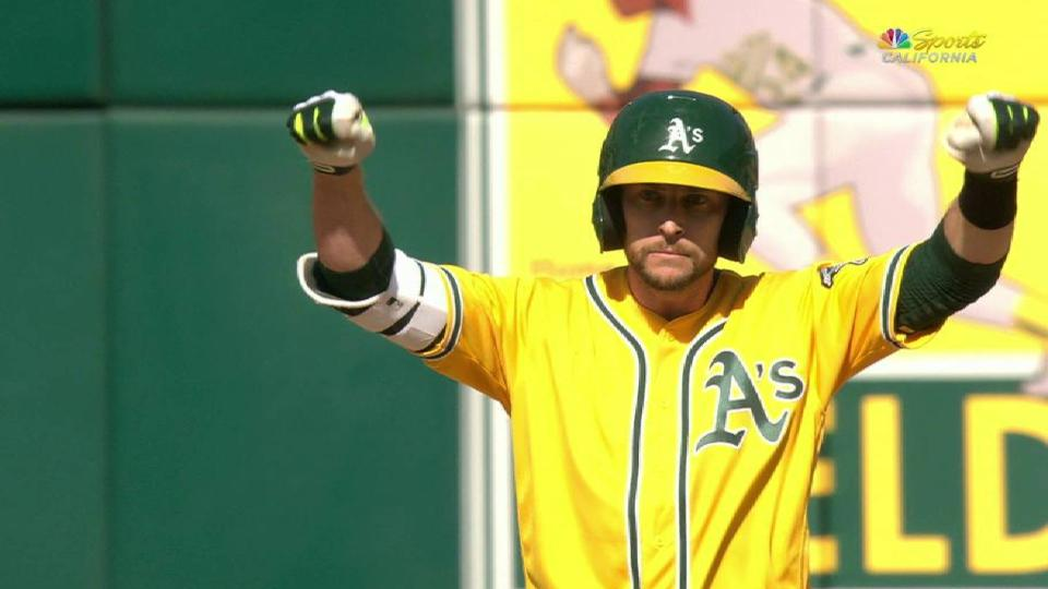 Lowrie's game-tying RBI double