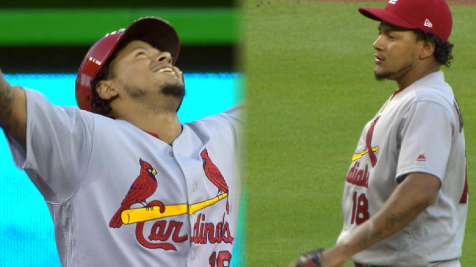 Martinez lifts Cardinals to win