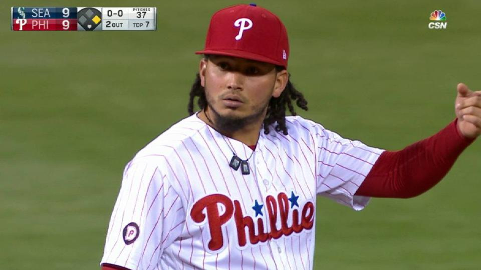 Galvis' heads-up defensive play
