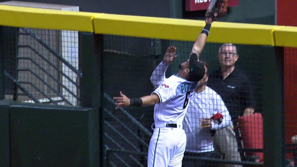 Peralta's great jumping catch
