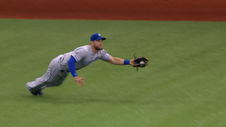 Gordon's diving snag in center